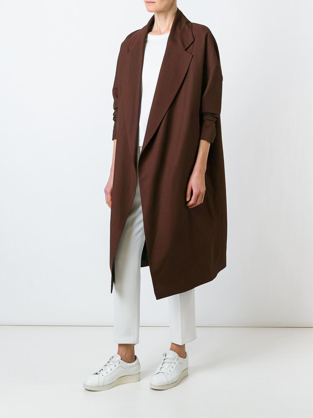 bordeaux-coat_thecolorharmony