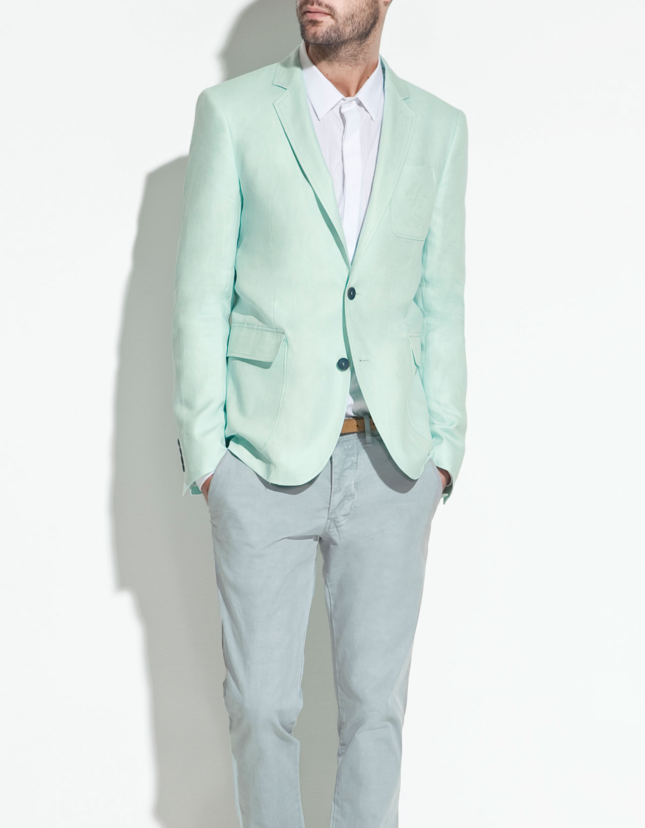 zara-blue-linen-blazer-with-detailing_thecolorharmony