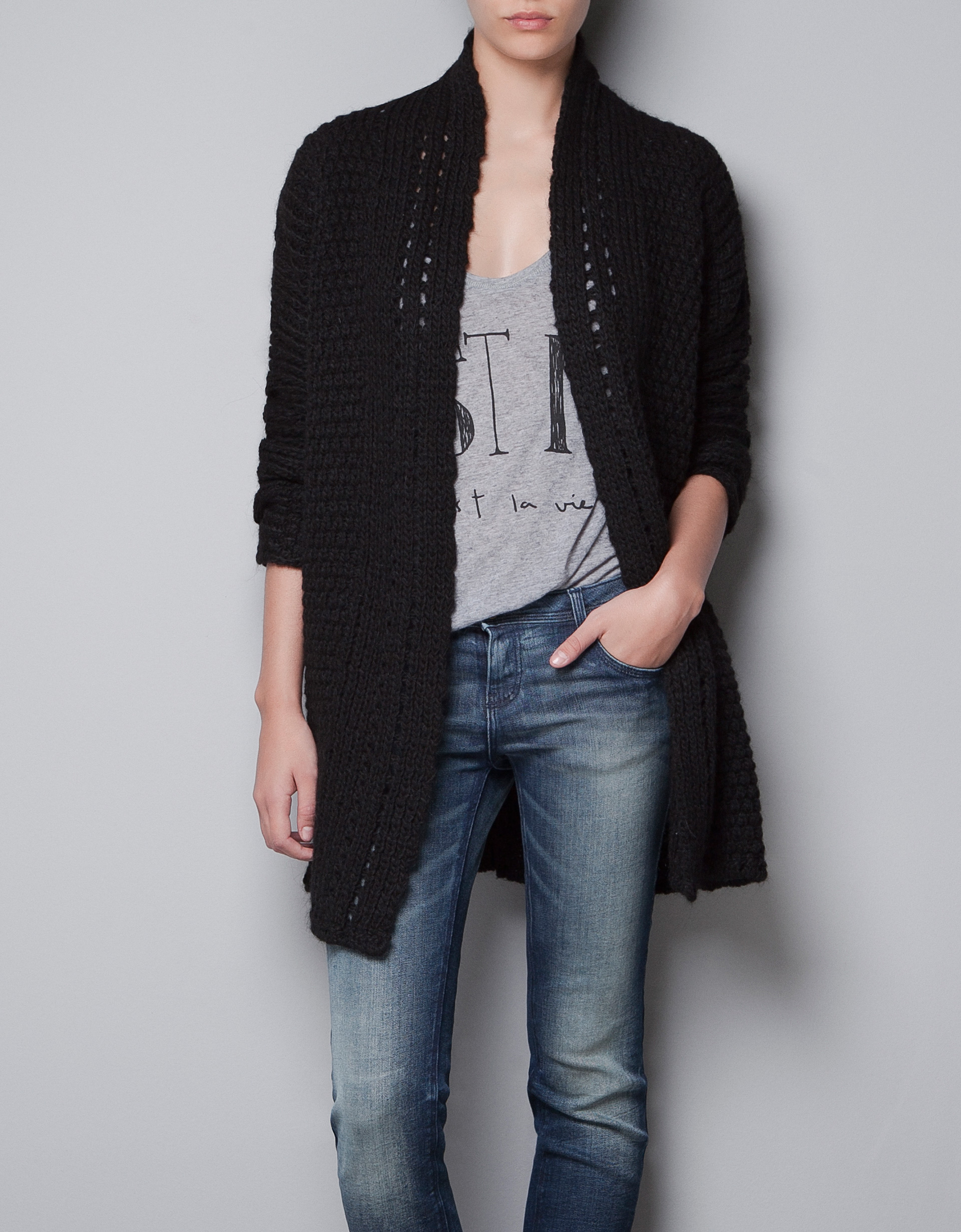 black-knitted-cardigan_thecolorharmony